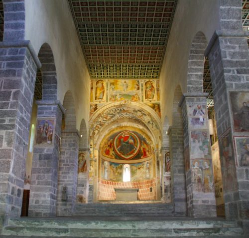 Figure 15. San Pietro di Biasca (Tessin, Suisse) : vue générale de la nef vers l'est.