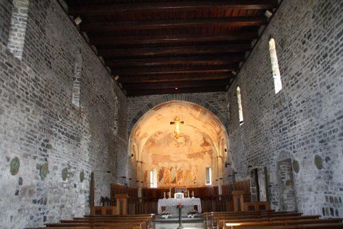 Figure 9. San Nicolò di Piona (Colico, Lombardie, Italie), vue générale de la nef vers l'est.